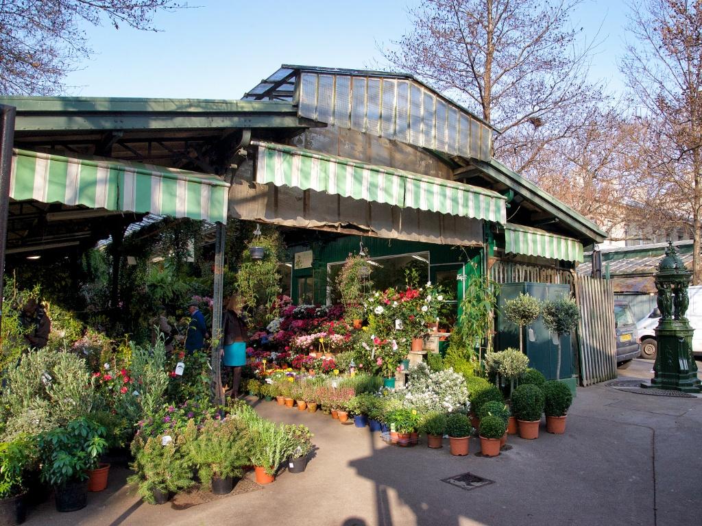 Concierge Paris Hotel Raphael Villa Majestic Flowers Market